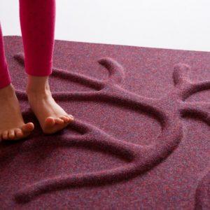 RootyRug Home koreňový koberec – Ripe Wine Red